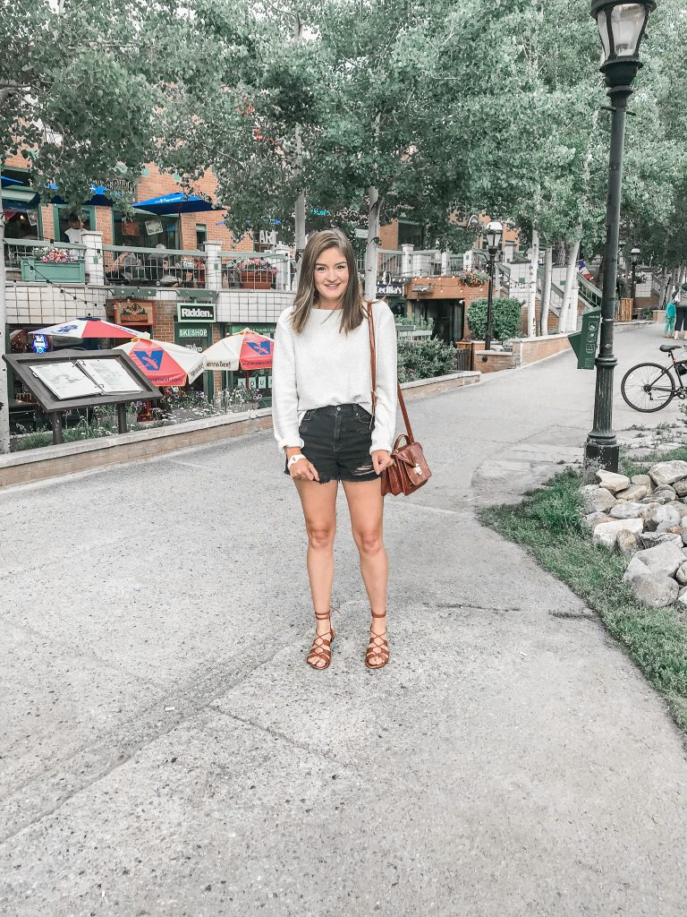 Vacation Instagram Roundup sweater and shorts