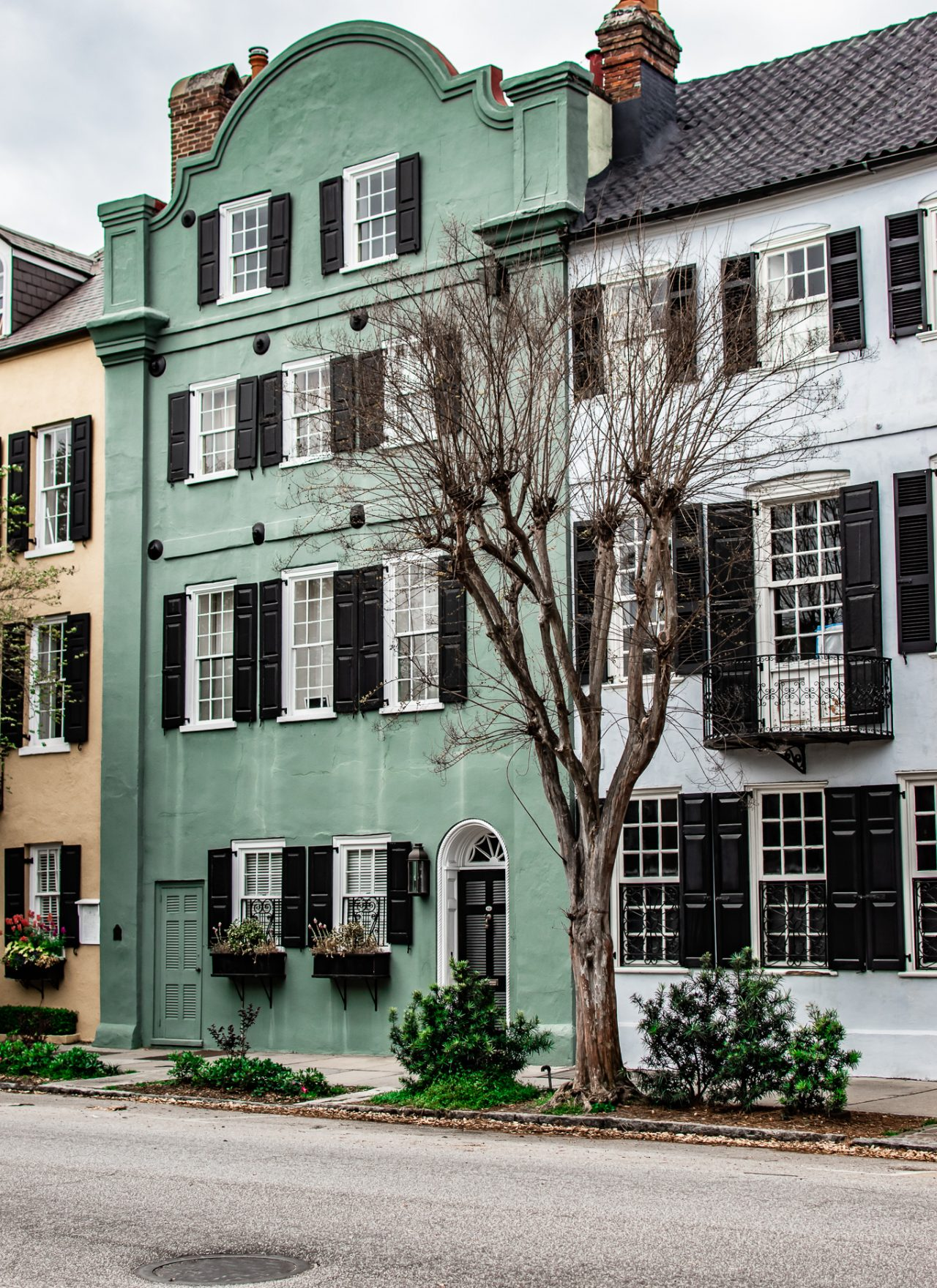 36 Hours in Charleston: Where To Stay, Eat, & Play